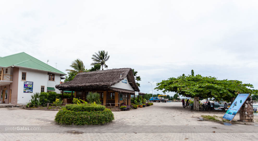 Fragment portu na wyspie La Digue