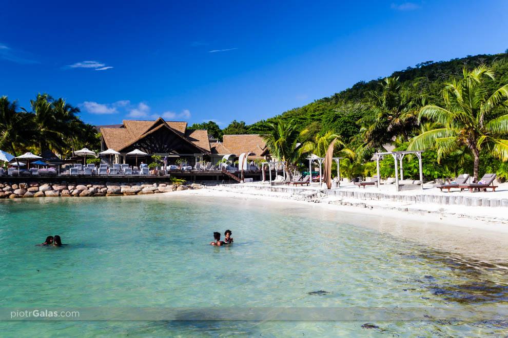 Hotel La Domaine de LOrangeraie z plażą, widok od strony plaży