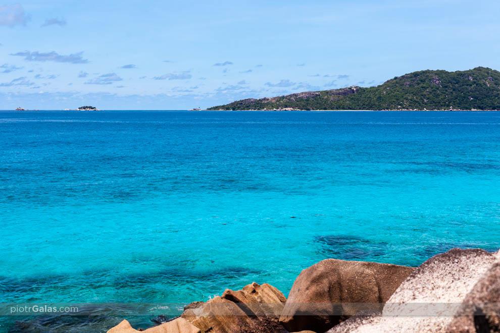 Widok na wyspę Felicite i Coco z Anse Patates